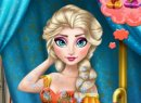 Play free game online Elsa swimming pool